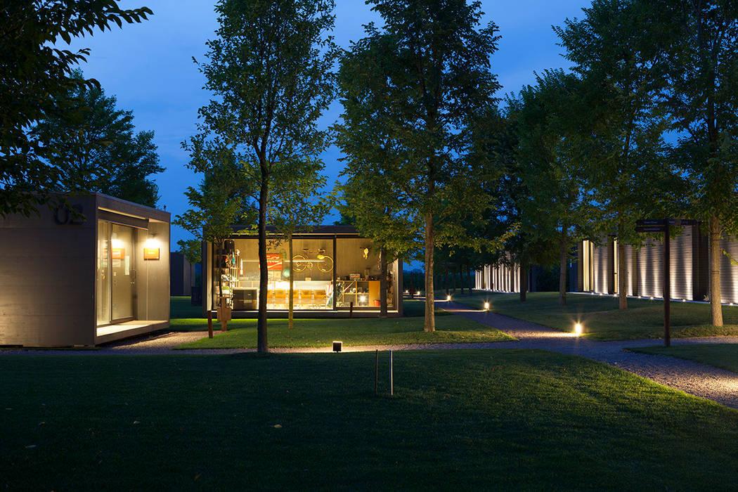h-farm: Case in stile  di zanon architetti associati,
