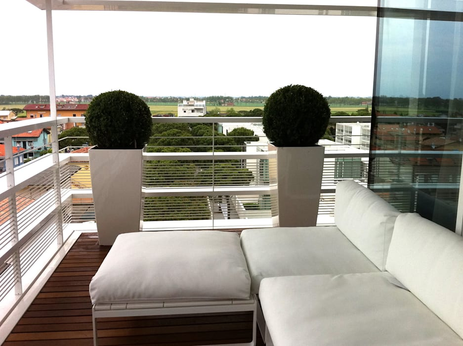 Collaborazione con l'architetto Richard Meier: Giardino in stile in stile Moderno di Dal Ben Giardini