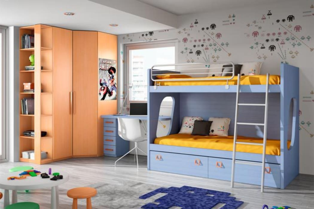 Litera con quitamiedos, escalera y cajoneras inferiores: Habitaciones de niños de estilo  de Sofás Camas Cruces