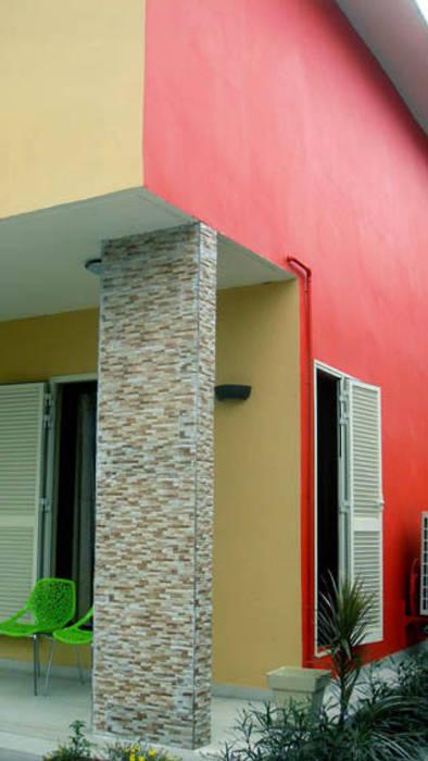 terrasse : Maisons de style de style Tropical par Jules Bertrand Wokam / WDW