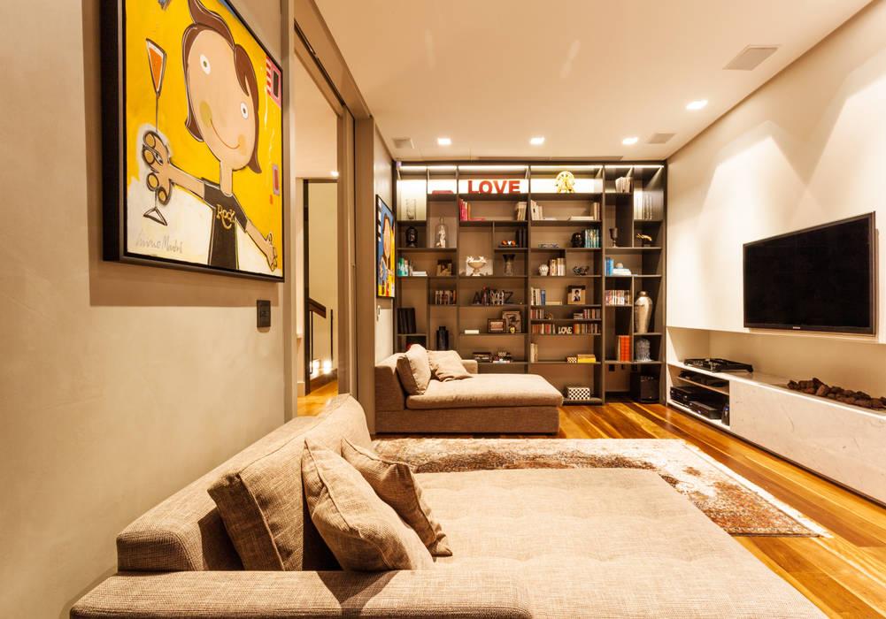 Residência Premiê: Casas  por MarchettiBonetti+,