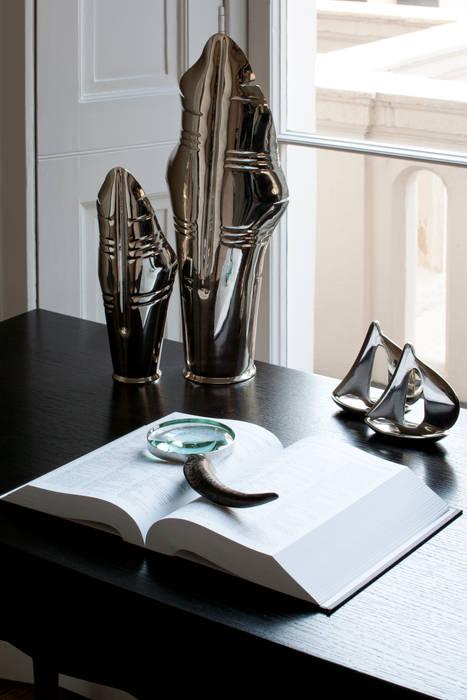 Styling Modern style bedroom by Roselind Wilson Design Modern