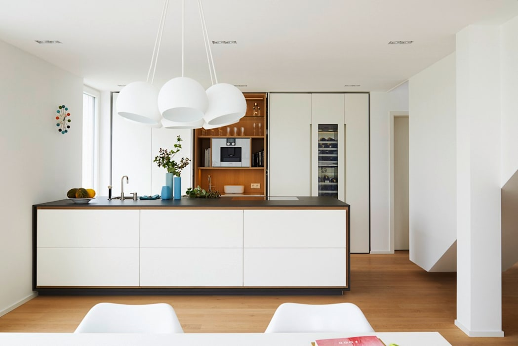 La cucina küche lackmatt weiß grifflos moderne küchen von la ...