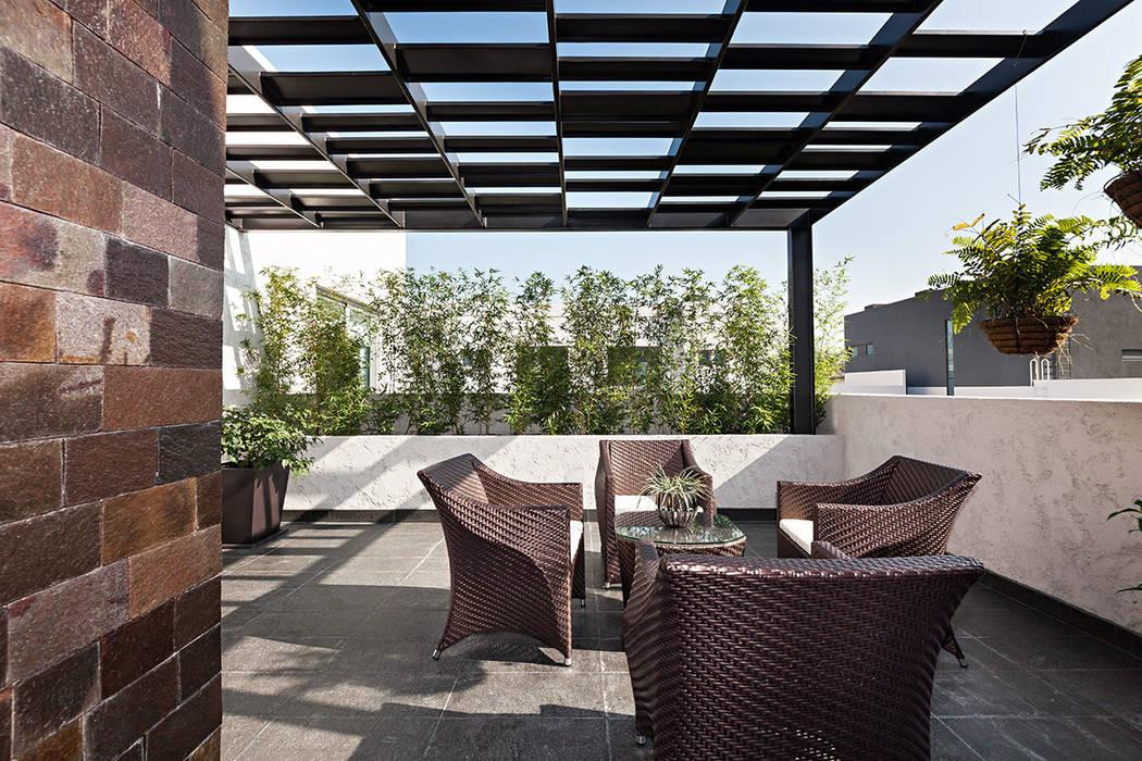 Terraza Balcones y terrazas modernos de ARQUIPLAN Moderno