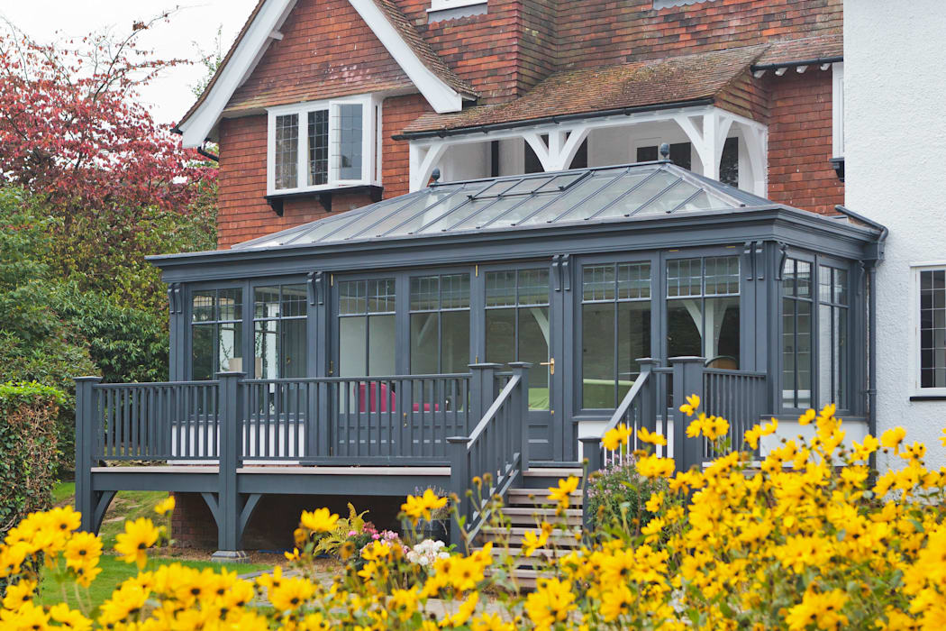 Living Room Conservatory with Veranda: modern Conservatory by Vale Garden Houses