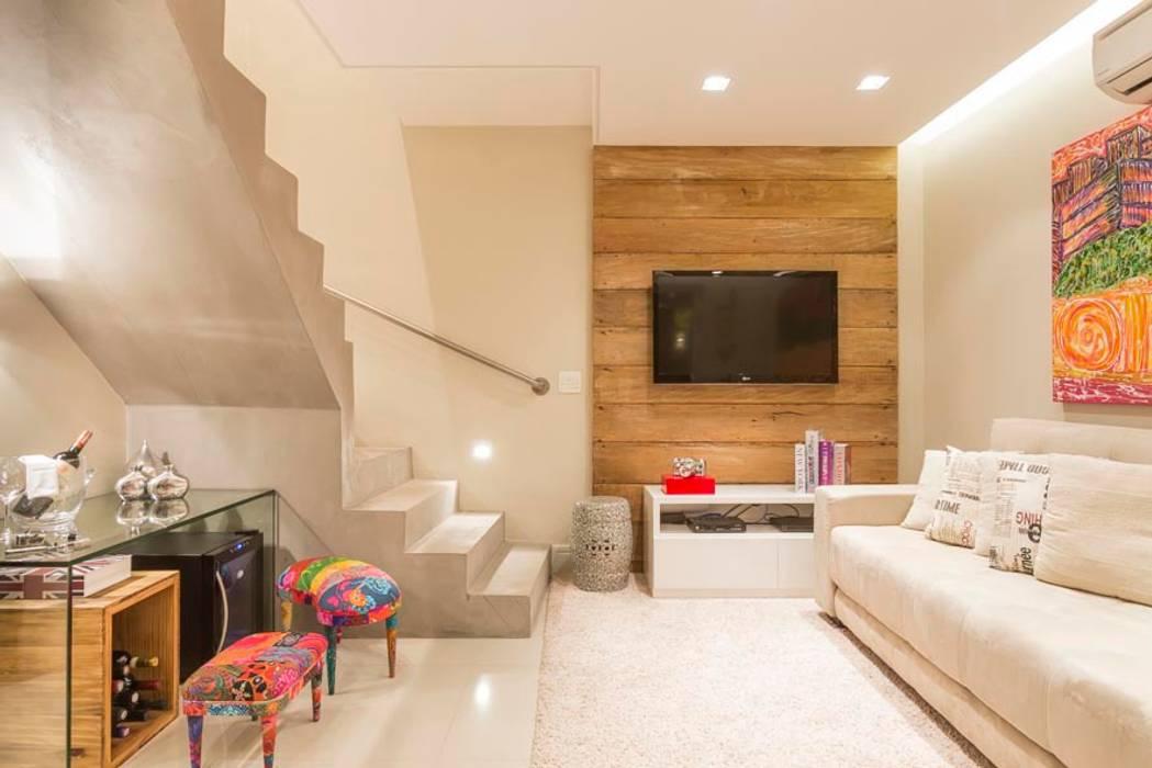 Cristiane Bergesch Arquitetura e Interiores Modern Interior Design