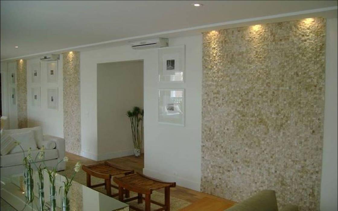SALA: Casas  por Bacha Furniture & Design