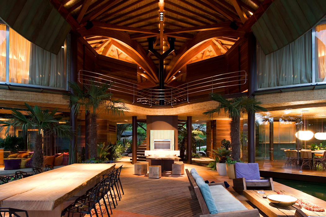 Tropical style living room by Mareines+Patalano Arquitetura Tropical