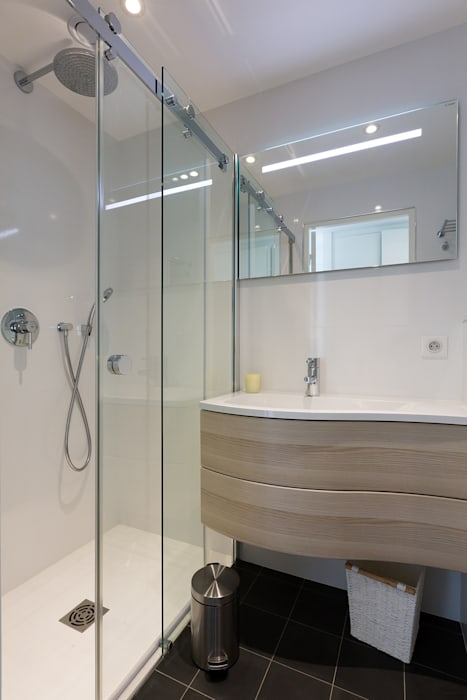 浴室 by Agence Manuel MARTINEZ, 簡約風