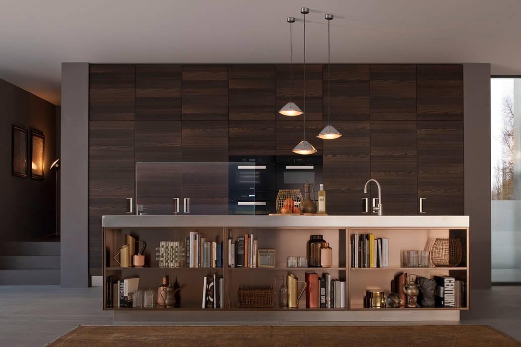 Arclinea in PVD: Cucina in stile in stile Industriale di Mobilificio Marchese