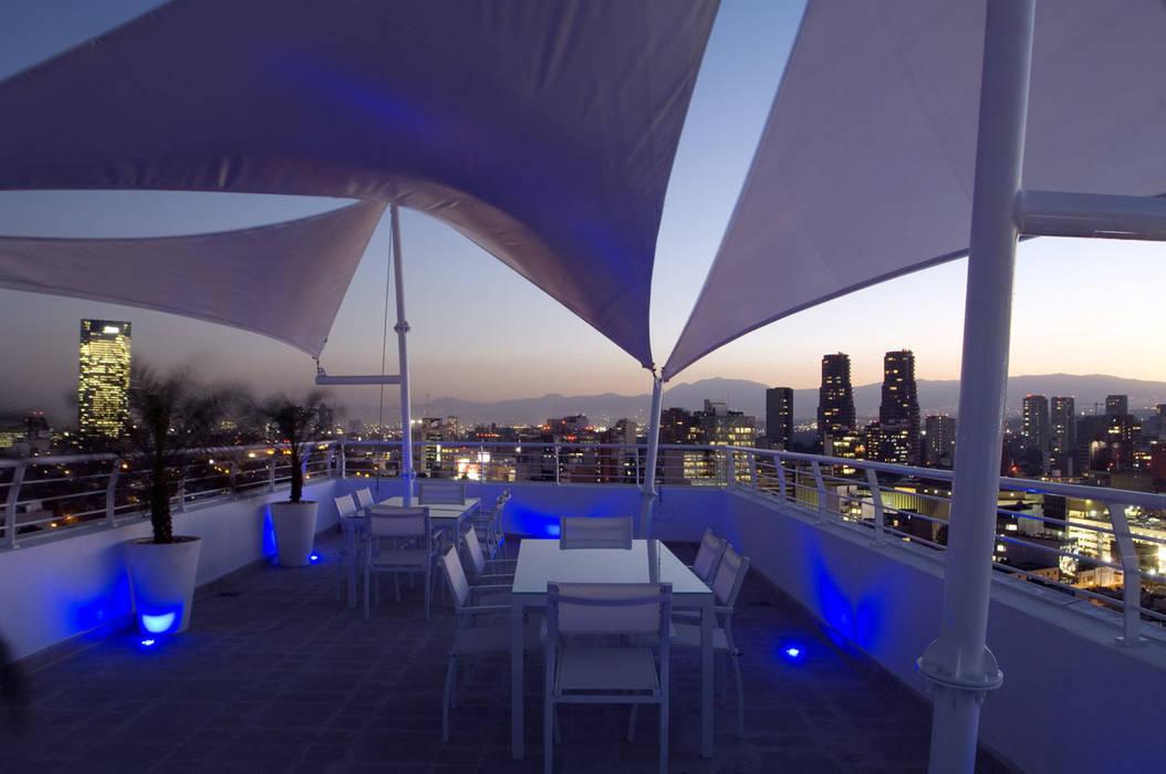 Skyview Polanco ระเบียงและนอกชาน โดย ARCO Arquitectura Contemporánea