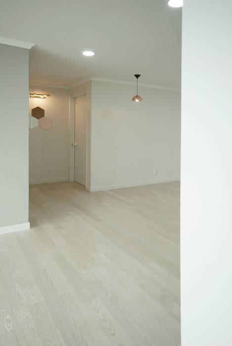 D Apartment (106sqm.): By Seog Be Seog | 바이석비석의  다이닝 룸,