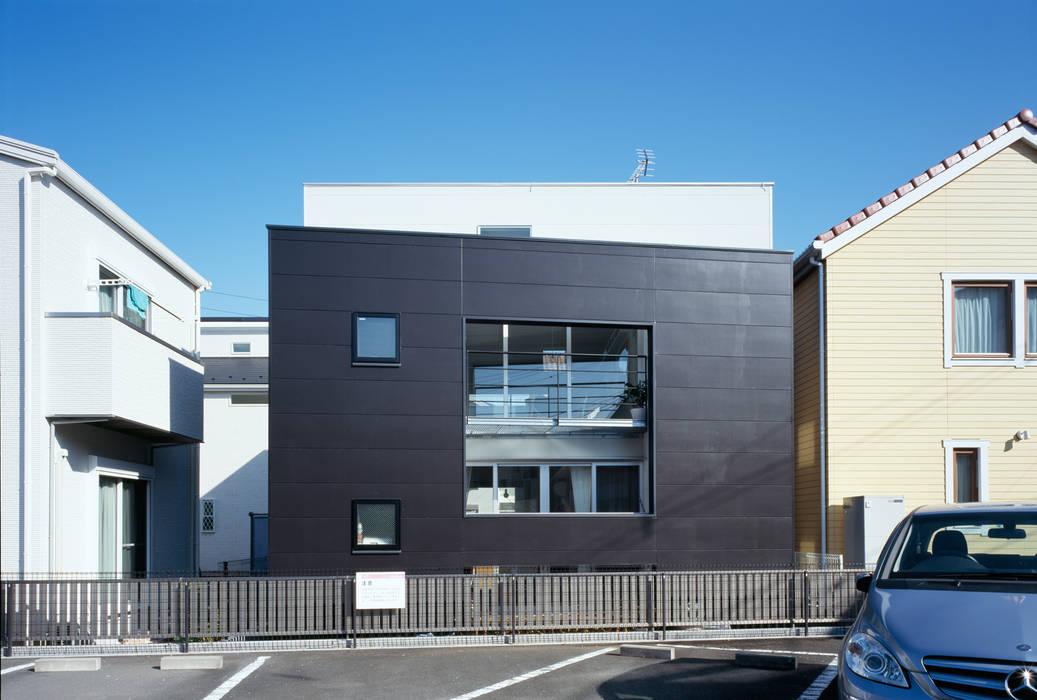 南側外観 モダンな 家 の 津野建築設計室/troom モダン