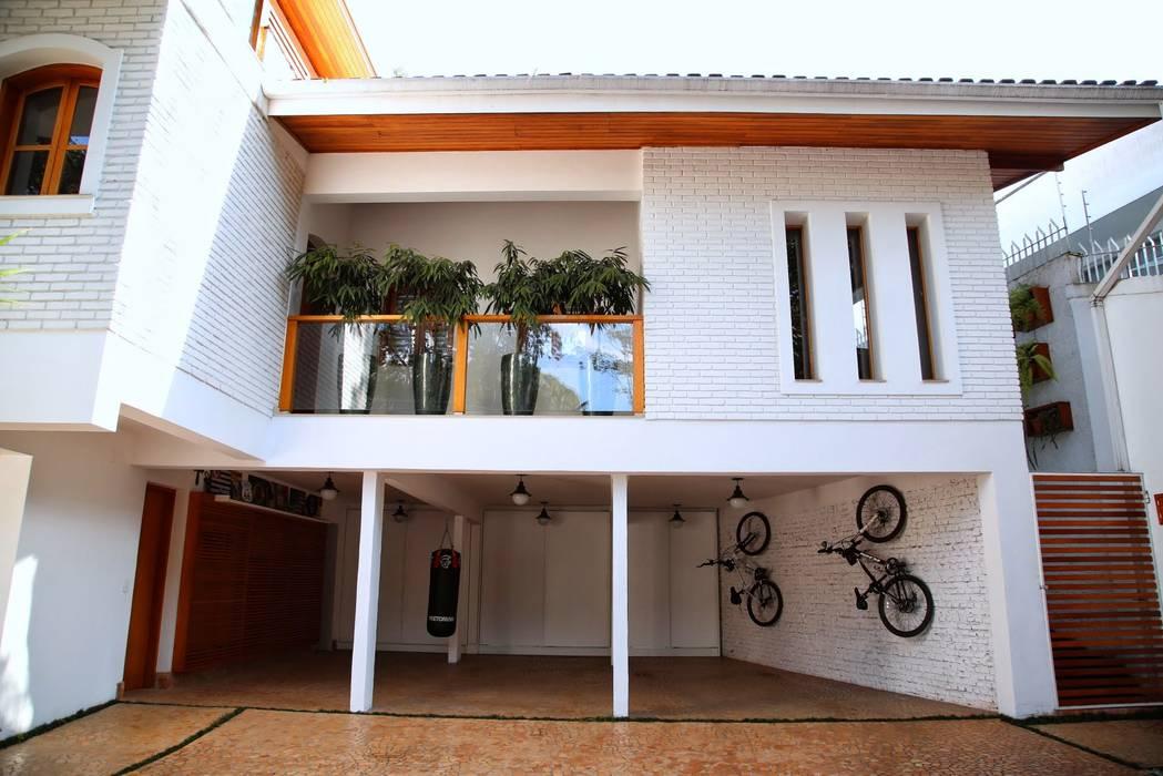 現代房屋設計點子、靈感 & 圖片 根據 MeyerCortez arquitetura & design 現代風