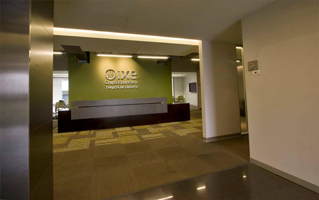 Corporativo IXE / Banco Deuno: Estudios y oficinas de estilo  por usoarquitectura