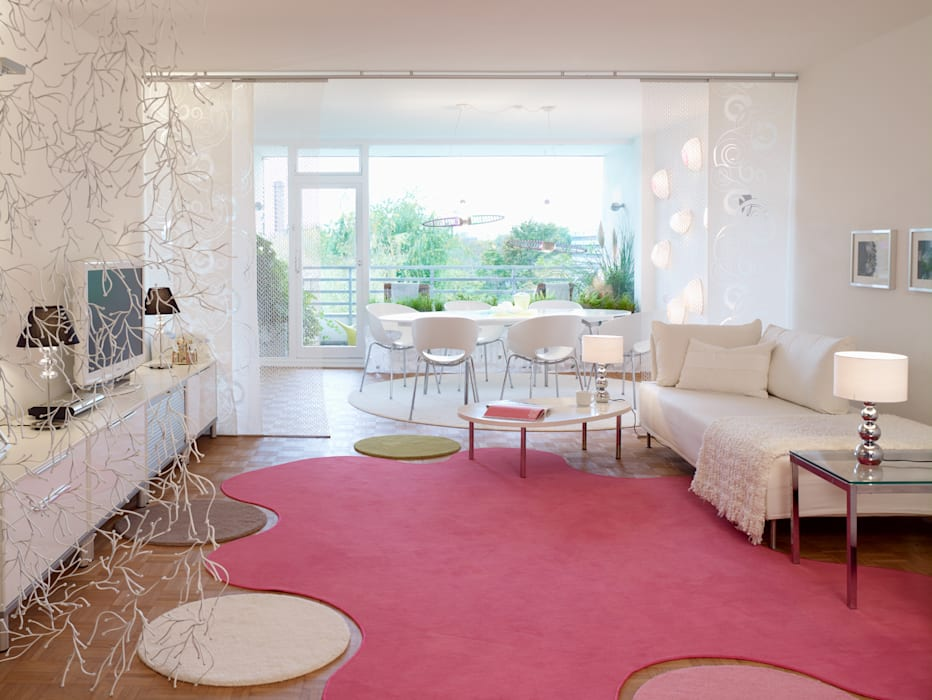 Eclectic style living room by WohnDich Eclectic