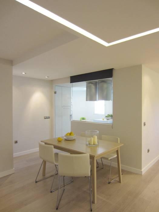 Luz natural / luz artificial Cocinas de estilo moderno de teese interiorismo Moderno
