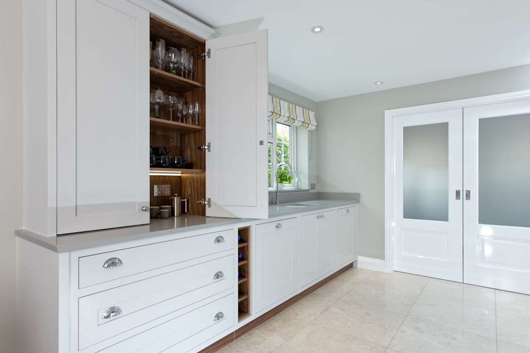 Cornforth White Shaker Kitchen by homify Classic