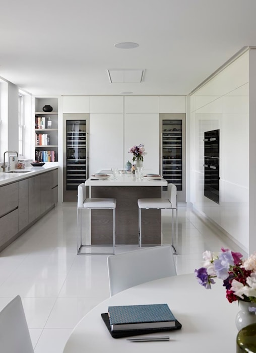 Purity:  Kitchen by Mowlem&Co,