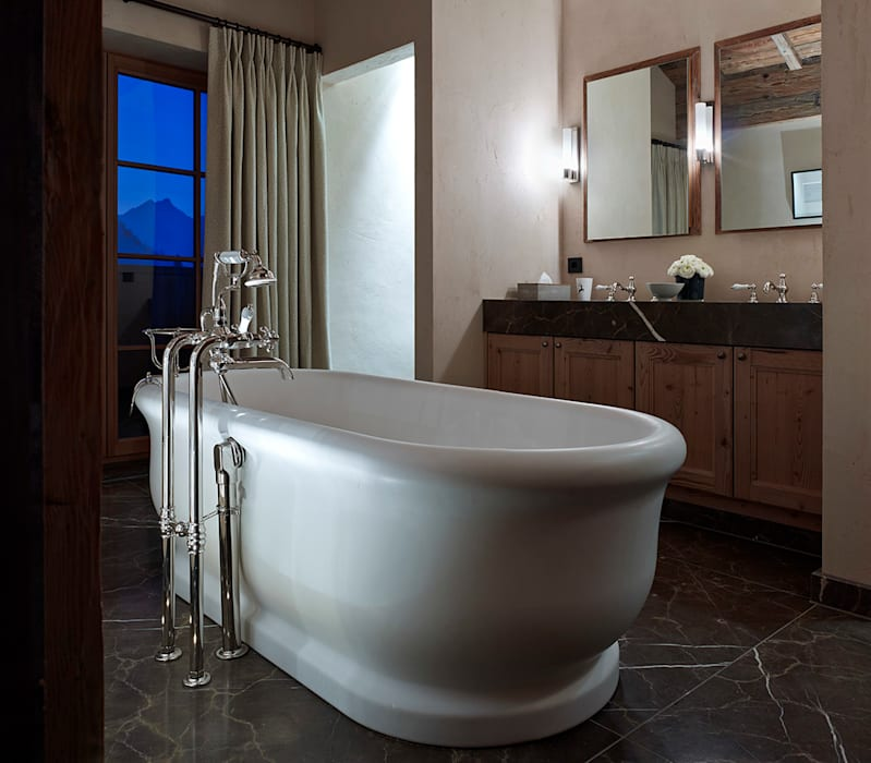 Skyfall Bathroom Salle de bain scandinave par Architectural Interiors + Superyacht Photographer Scandinave