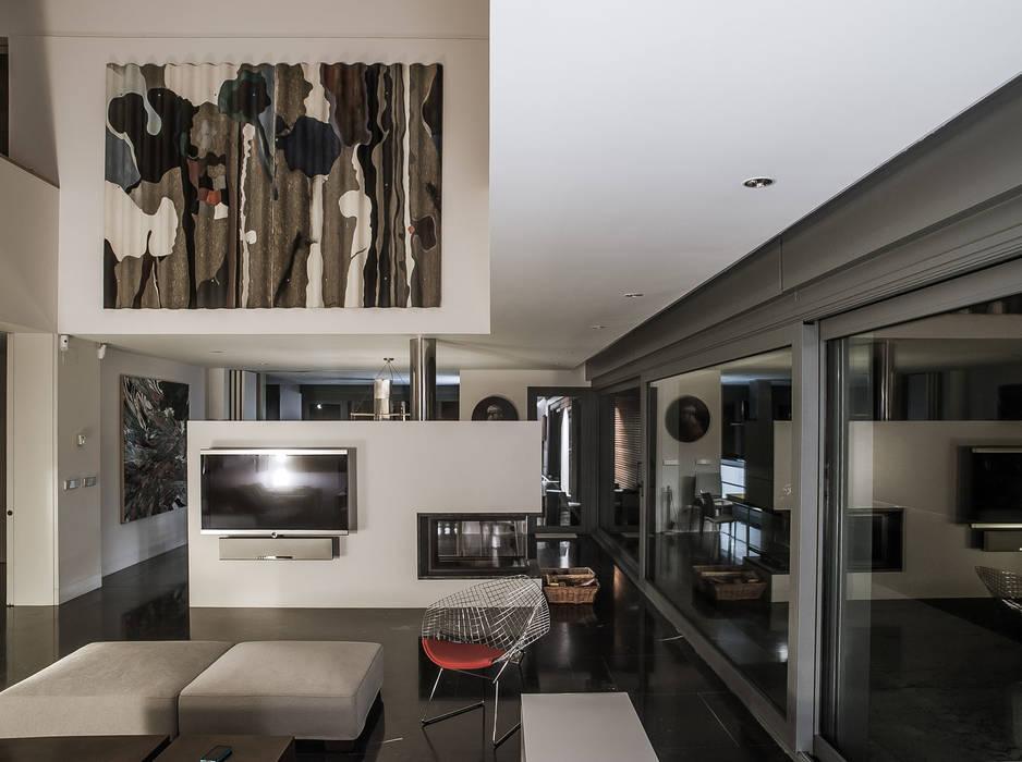 Vivienda en Asturias: Salones de estilo  de EAS Arquitectura