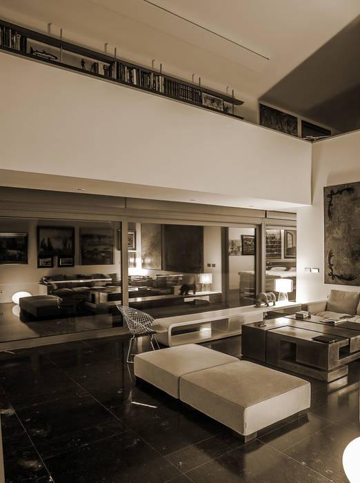Vivienda en Asturias: Salones de estilo moderno de EAS Arquitectura