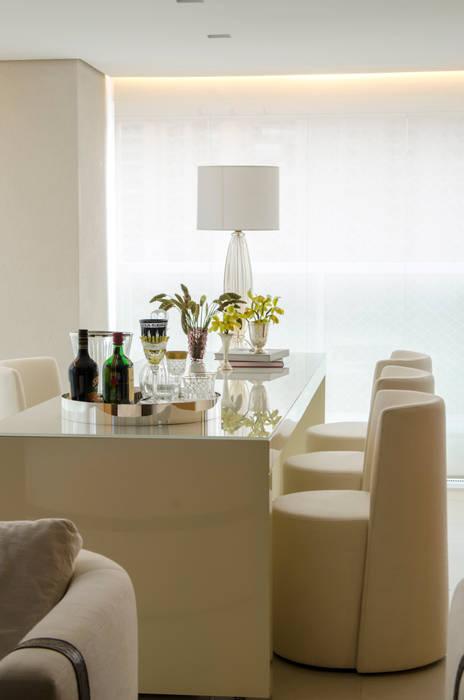 Moema: Salas de jantar  por Prado Zogbi Tobar,