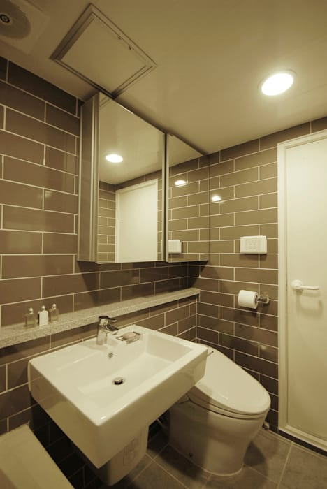 C Apartment (63sqm.) 모던스타일 욕실 by By Seog Be Seog | 바이석비석 모던