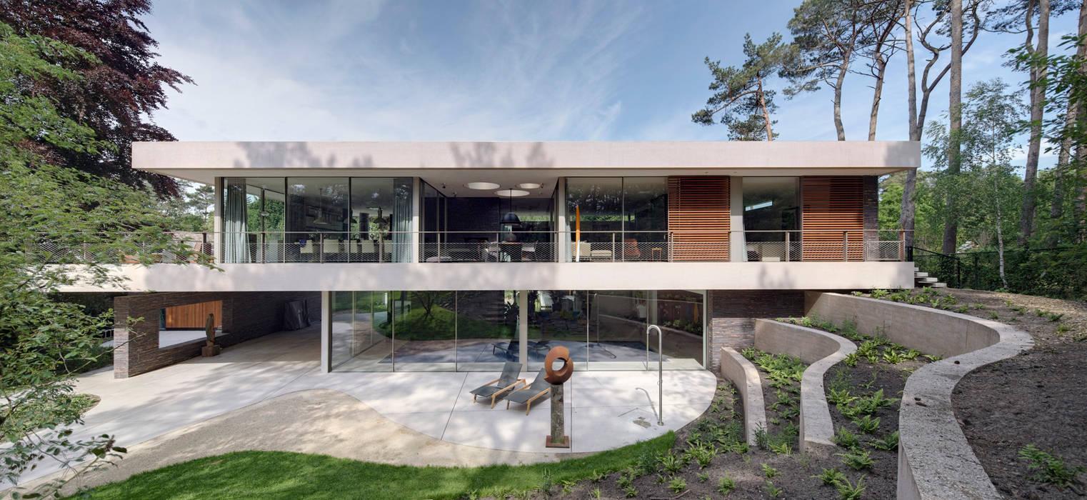 Achterzijde duinvilla HILBERINKBOSCH architecten Moderne tuinen