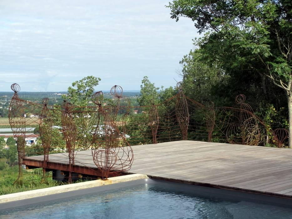 Poupées Dansantes Balcon, Veranda & Terrasse modernes par Artiste Sculpteur Moderne