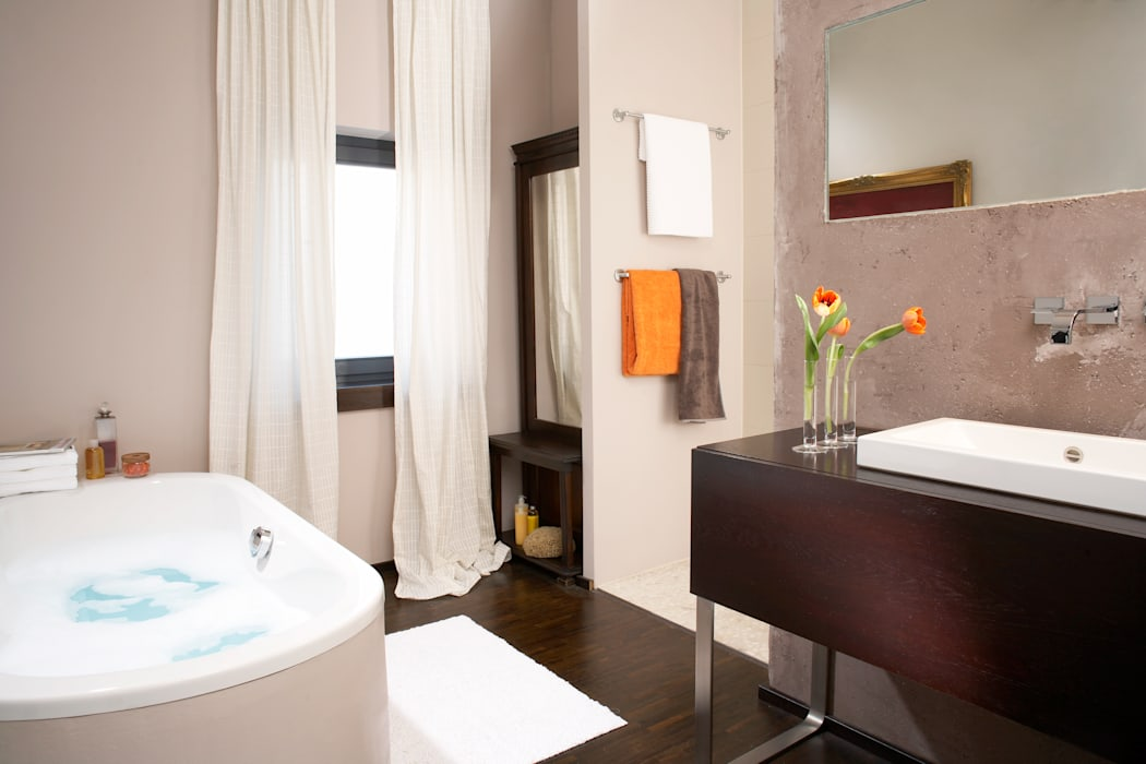 Warme farben im bad: badezimmer von home staging bavaria ...