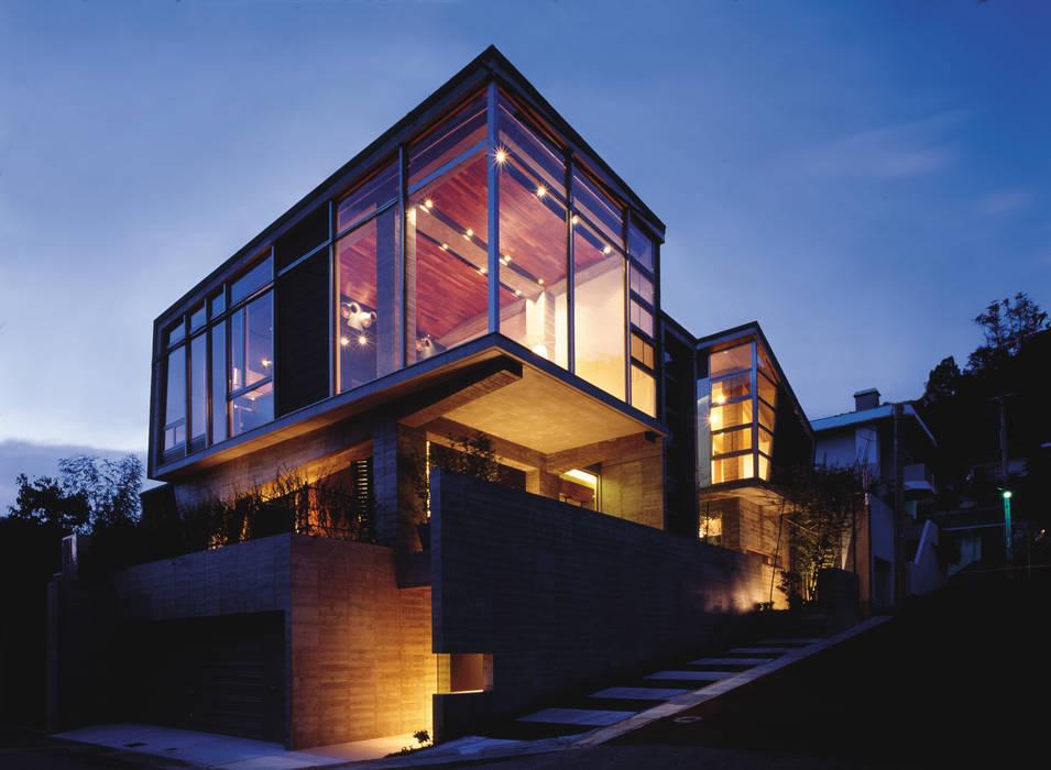 西岡本のコートハウス オリジナルな 家 の 田中一郎建築事務所 オリジナル