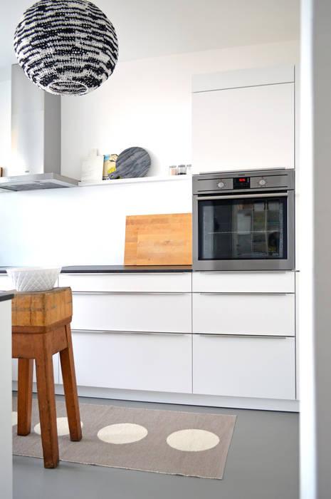Bếp nhỏ theo Kristina Steinmetz Design, Hiện đại