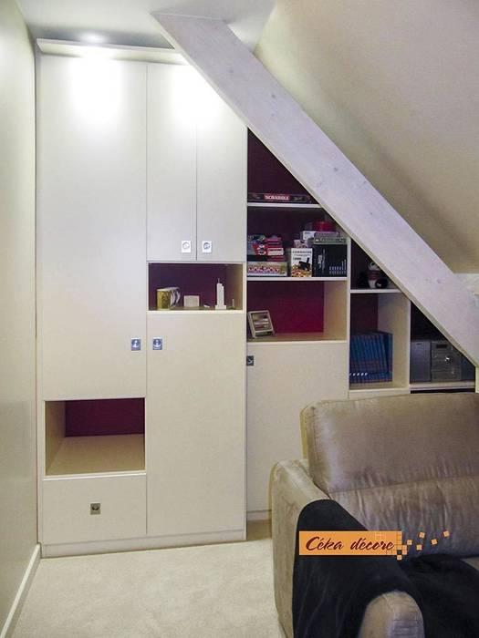 Dressing et bureau en sous-pente Bureau par Céka décore