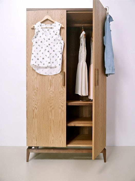 Stilt Wardrobe Barnby & Day SchlafzimmerKleiderschränke und Kommoden