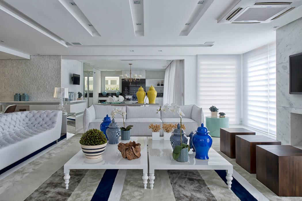 Living room by Samara Barbosa Arquitetura