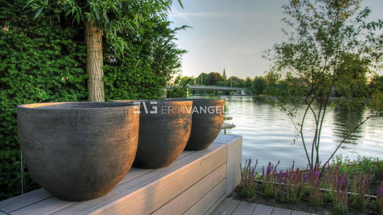 de ERIK VAN GELDER   Devoted to Garden Design Moderno