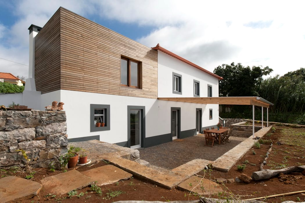 Quinta H | eco-renovation | Madeira Mayer & Selders Arquitectura Rustic style houses