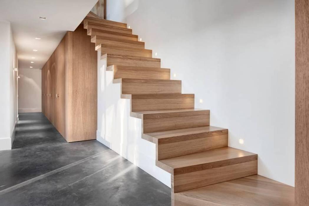 Schuurwoning Leusden Moderne gangen, hallen & trappenhuizen van Kwint architecten Modern