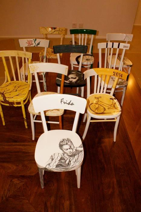 Sedie Decorate A Mano.Sedie Decorate E Non Solo Casa In Stile Di Laboratorio Sd Homify