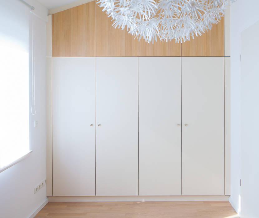 Einbauschrank für dachschräge: schlafzimmer von deinschrank.de gmbh ...