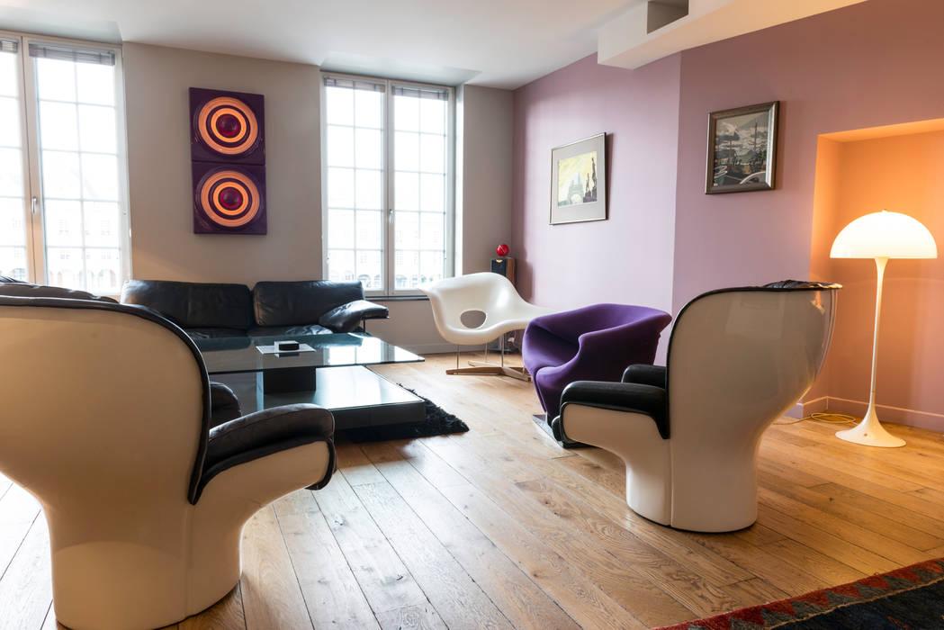 Salon Maisons originales par AGENCE JULIETTE VAILLANT ARCHITECTE Éclectique