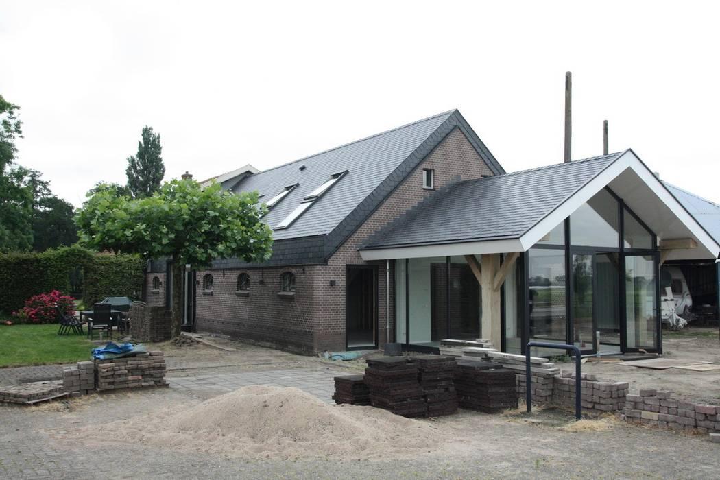 De Boerderij Huizen : Verbouw stal bij boerderij huizen door architectenbureau jules