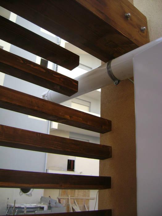 CASA DIBERNARDO-VEGNA Balcone, Veranda & Terrazza in stile moderno di FZArch Moderno