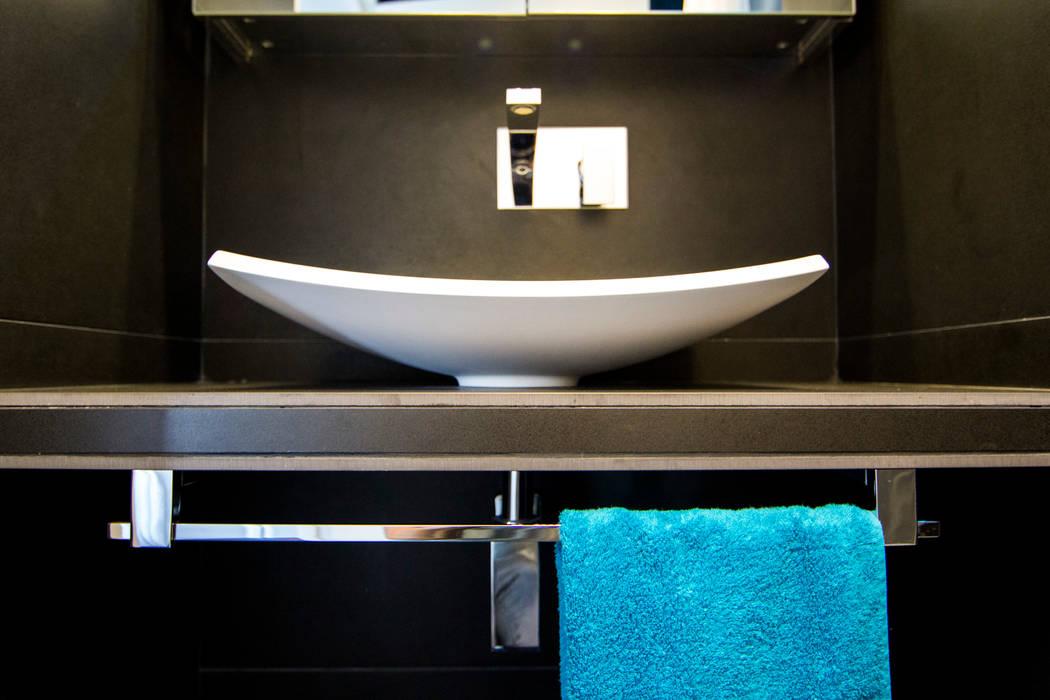 Vasque : Salle de bains de style  par Anne Martins Design