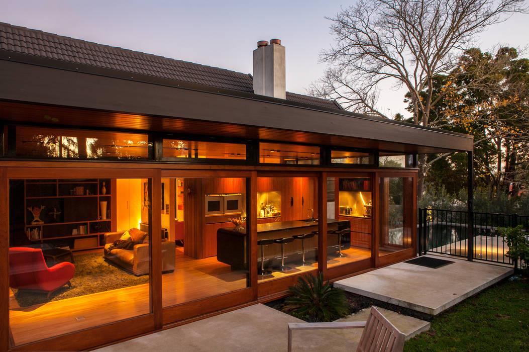 Casas de estilo  por Dorrington Atcheson Architects, Moderno