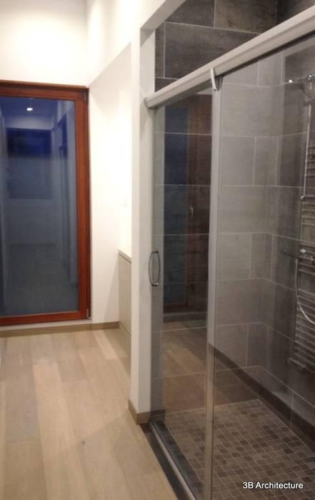 Salle d'eau: Salle de bains de style  par 3B Architecture