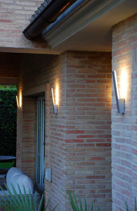 Coleccion Stick: Casas de estilo mediterráneo de FM ILUMINACION SL