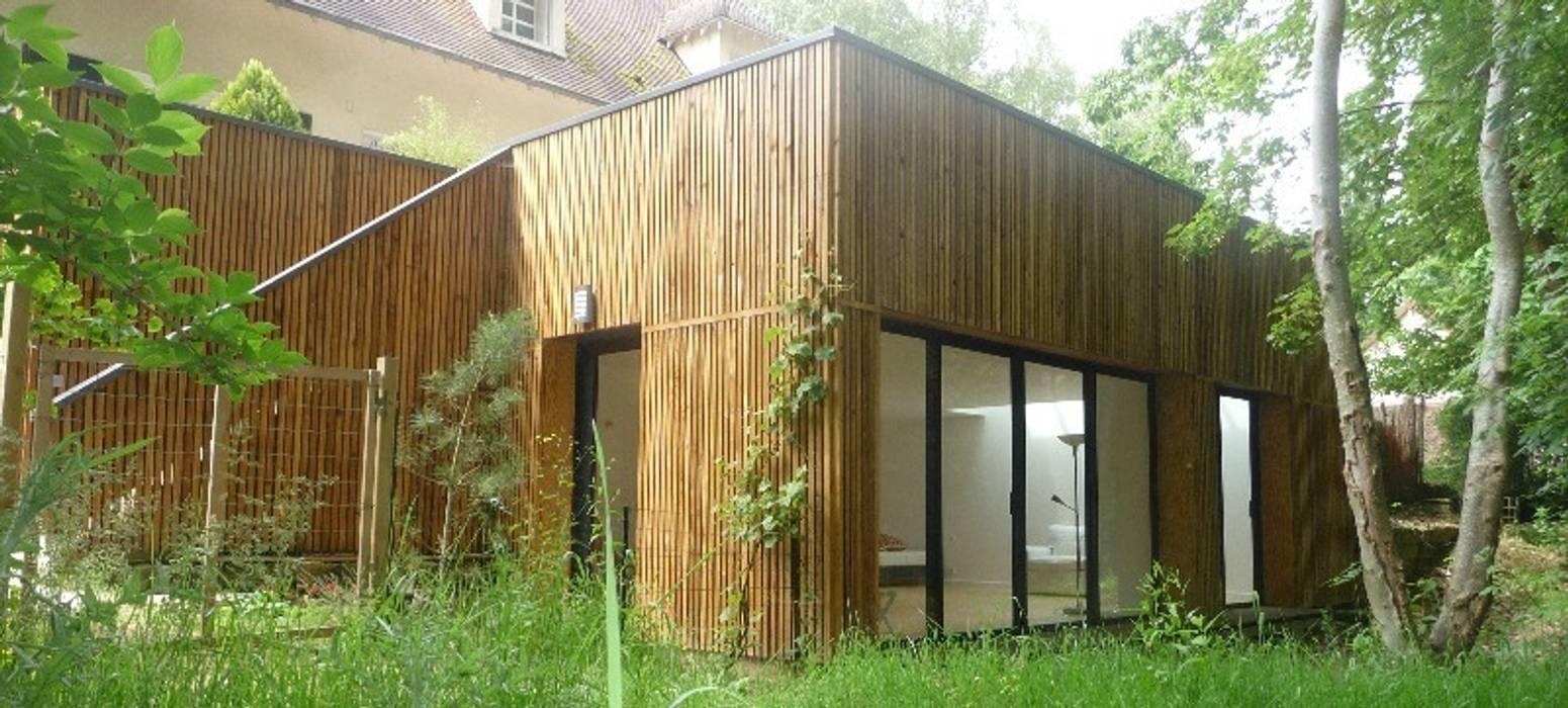 Vue depuis le bois Balcon, Veranda & Terrasse minimalistes par AADD+ Minimaliste
