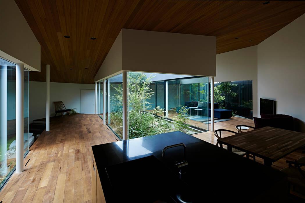 東村山の家: 石井秀樹建築設計事務所が手掛けた庭です。,